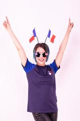 Portrait d'une jeune supportrice de l'équipe de France de football