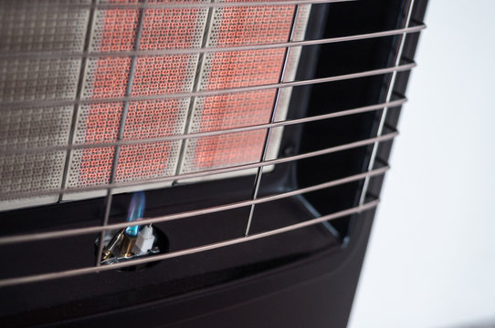 Pilot-flame on a portable gas heater