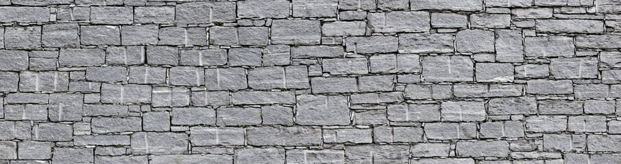 Schön behauene Natursteinmauer