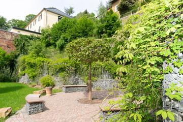 EU Fördermittel, erfolgreiche Rückbaumaßnahme, Rastplatz für Wanderer mit Sitzecke in Rochsburg,