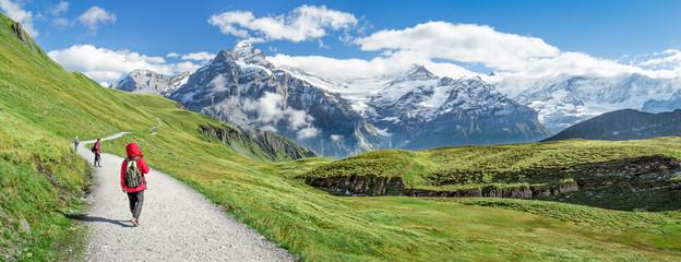 Wall Mural - Wanderurlaub in den Schweizer Alpen, Kanton Bern, Schweiz