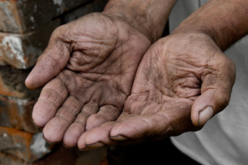 Hands poor poverty elder man begging you for help. Concept hunger people or poverty. Selective focus. Poverty in retirement. Fototapete