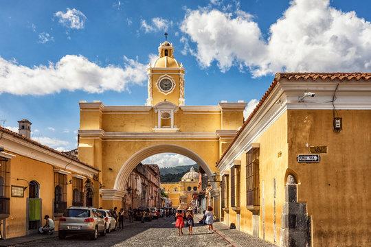 Antigua Guatemala, Arco de Santa Catalina y La Merced