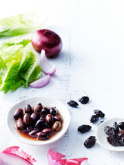 Cos lettuce, olives, red onions