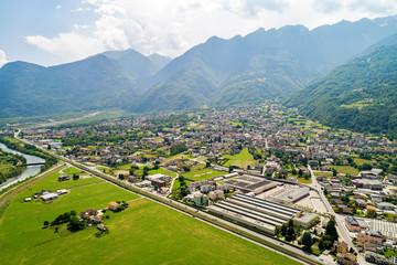 Valtellina (IT) - Talamona - Vista aerea verso est