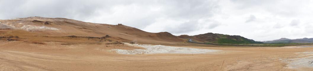 Fumarolen-Landschaft im Geothermalgebiet Námaskarð – Hverir / Nord-Island