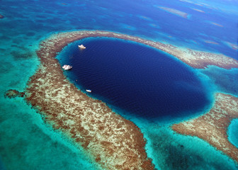 Great Blue Hole Bezile