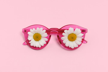 pink sunglasses with daisies