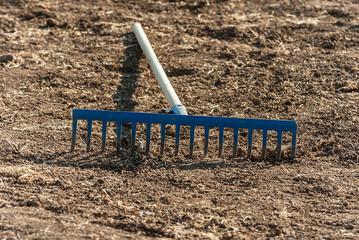 Rastrello per attività agricola