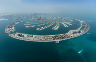 Tuinposter Dubai Dubai Palm artificial Island from hydroplane