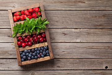 Fresh summer berries box