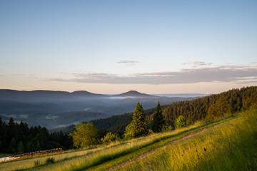Fototapete - Sonnenaufgang auf dem Kupferberg