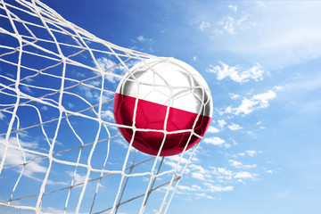 Fussball mit polnischer Flagge