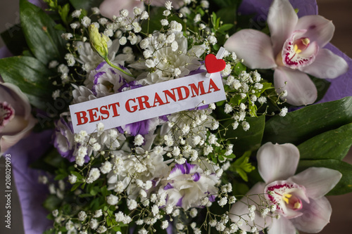 Beautiful Flowers Gift For Grandparents Day With Greeting Card Top