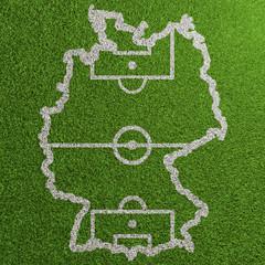 Fussball Spielfeld in Form einer Karte von Deutschland