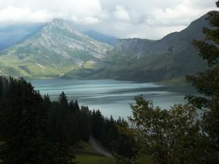 Barage hydroélectrique de Roselend dans le Beaufortin. France
