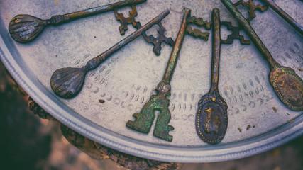 Vintage Victorian Keys