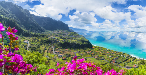 Wall mural Aerial view of the northern coast of Madeira islands, from the Solar de Boaventura miradouro, Portugal