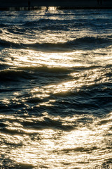 Fototapete - beautiful waves with sun reflections