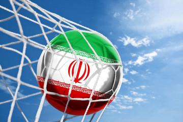 Fussball mit iranischer Flagge