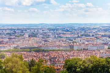 Fototapete - Beautiful cityscape of Lyon during daylight