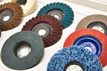 Grinding and polishing disc for angle grinder
