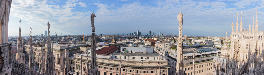 Poster Artistique Panoramic view of Milan from roof of Cathedral of Milan
