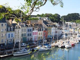 Belle-Île-en-Mer, voiliers dans le port de plaisance du Palais (France)