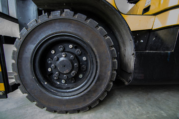 The front wheels of the forklift