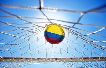 Fussball mit kolumbianischer Flagge