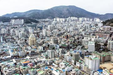 """Blick vom """"Busan Tower"""" auf die Stadt."""