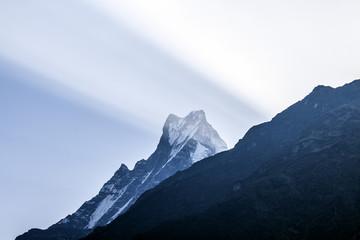 Himalaya Annapurna Sonnenstrahlen Wolken