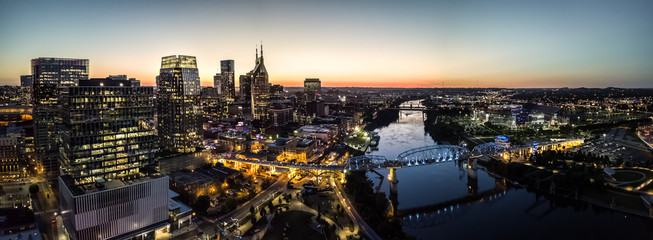 Fototapete - Nashville skyline and river