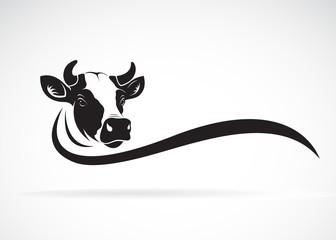 Vector of cow head design on white background, Farm animal, Vector illustration. Easy editable layered vector illustration.