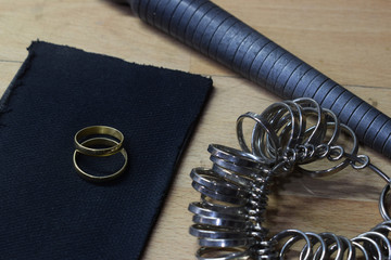 jewelry industry, tools to look at the sizes of engagement rings