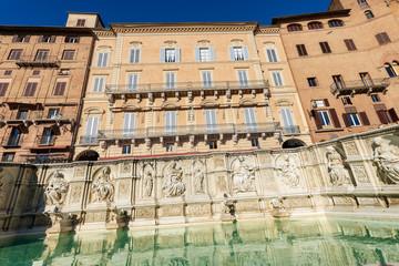 Fonte Gaia (fountain of joy), Piazza del Campo. Siena, Tuscany, Italy