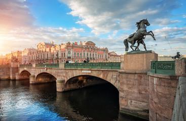 Аничков мост в Санкт-Петербурге и кони Anichkov Bridge in St. Petersburg and horses