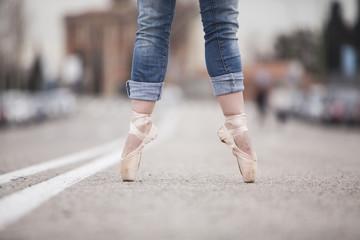 woman dancer on ballet tips 06