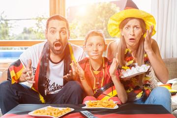 Die ganze Familie ist Fan der deutschen Fußball Nationalmannschaft aber die verliert