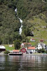 Paesino sul fiordo Norvegese