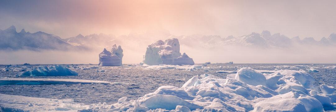 Greenland : amazing iceberg on the sea, climate change. Banner