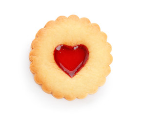 Papiers peints Biscuit Traditional Christmas Linzer cookie with sweet jam on white background
