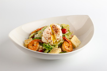 Caesar Salad with Shrimp and egg Pashot