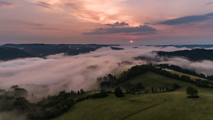 Fototapete - Schwarzwald von oben - Sonnenaufgang