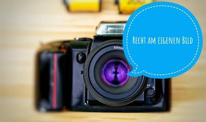 Camera with in german Recht am eigenen Bild in englisch right on your own picture