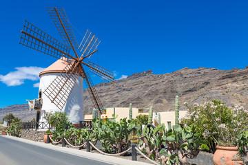 Alte Windmühle in der Nähe von Mogan Gran Canaria