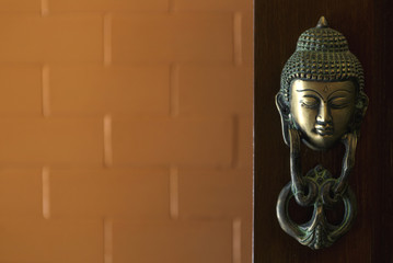 buddha image head stuck at the door.
