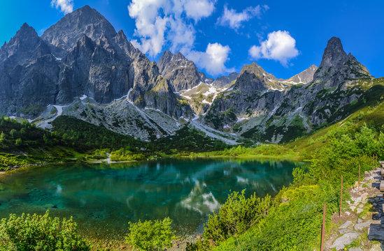 Dolina Kežmarskej Bielej vody, Kezmarska Valley, View on Lomnica