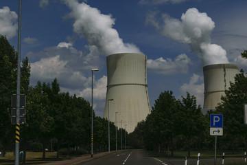 Wasserdampftürme eines Kraftwerkes in Deutschland