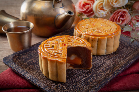 Mooncake, Chinese mid autumn festival food.
